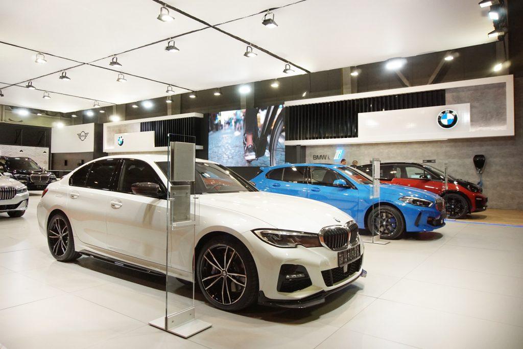 BMW изложбен щанд